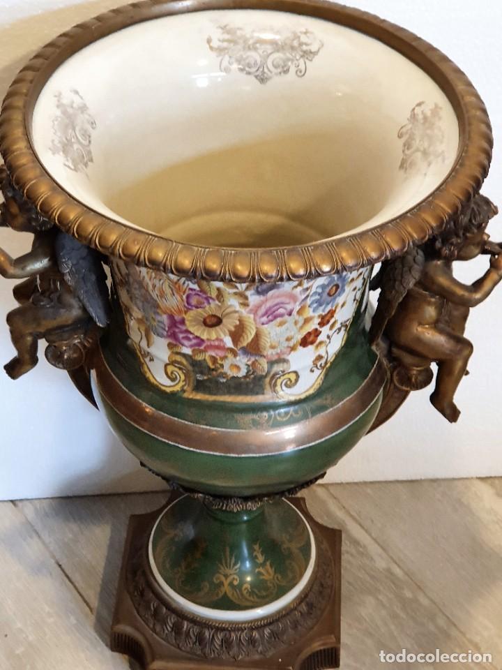 Antigüedades: GRAN MACETERO DE PORCELANA CON SELLO - Foto 2 - 229639390