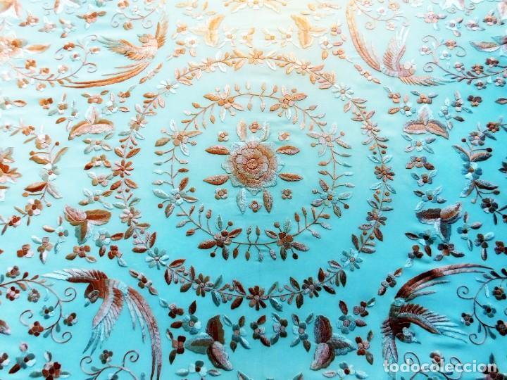 Antigüedades: ESPECTACULAR MANTÓN DE MANILA EN SEDA CON FLORES Y AVES EXÓTICAS BORDADO A MANO - CHAL VINTAGE - VER - Foto 36 - 229699945
