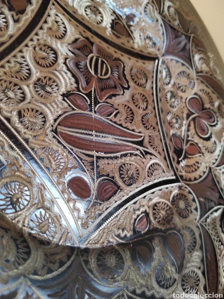 Antigüedades: Plato de cobre labrado con motivos florales. 29cm - Foto 6 - 229714220