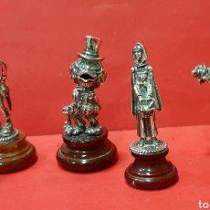 Antigüedades: COLECCIÓN DE 4 FIGURAS DE PLATA DE LEY CON MARCAS. CAPERUCITA, EL LOBO Y EL LEÑADOR.. Lote 229753270