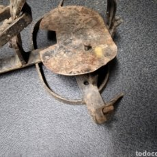 Antiquités: HERRAMIENTA DE FORJA ANTIGUA DECORACIÓN CAZA. Lote 229798750