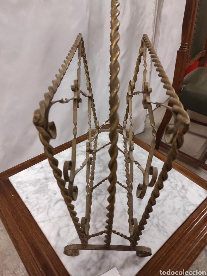 Antigüedades: Revistero en hierro forjado - Foto 2 - 229862815