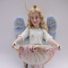 Antigüedades: ANTIGUA BENDITERA. ANGEL EN BISCUIT. ORIGINAL PRIMER TERCIO SIGLO XX. MIDE 14 CTMS. Lote 229886505