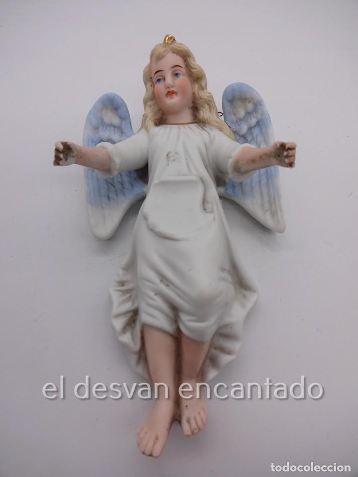 ANTIGUA BENDITERA ORIGINAL PRIMER TERCIO SIGLO XX EN BISCUIT. ANGEL. LE FALTA LA PILETA (Antigüedades - Religiosas - Benditeras)