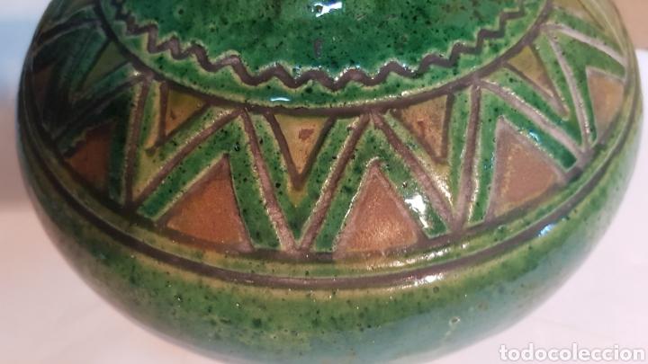 Antigüedades: VASIJA DE CERÁMICA VIDRIADA VERDE TITO ÚBEDA CON MOTIVOS GEOMÉTRICOS - Foto 6 - 229928060
