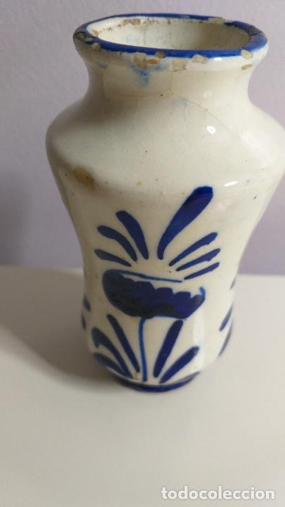 Antigüedades: Antiguo Jarrón o florero de cerámica azul y blanca. - Foto 4 - 230033330