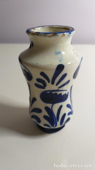 Antigüedades: Antiguo Jarrón o florero de cerámica azul y blanca. - Foto 8 - 230033330