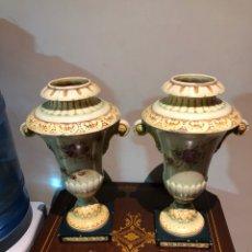 Antigüedades: LOTE DE 2 JARRONES, CON ALGUNAS FALTAS. Lote 230082600