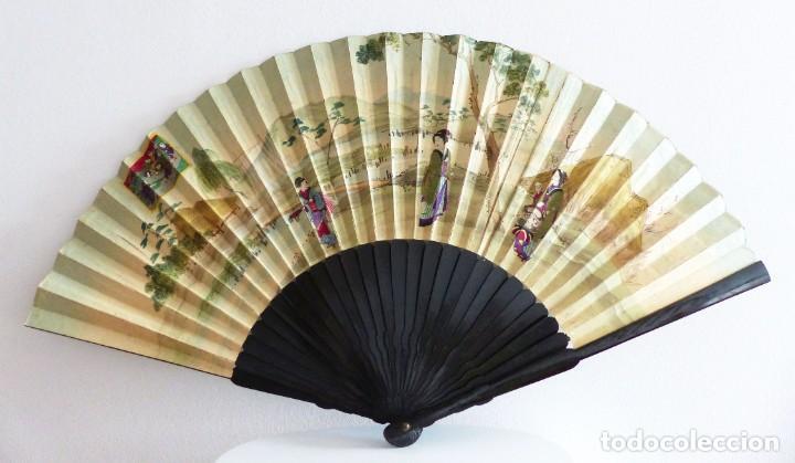 Antigüedades: ABANICO JAPONÉS - GEISHAS Y GRULLA - PINTADO, TELA BORDADA - 80 CM. - Foto 2 - 230088680