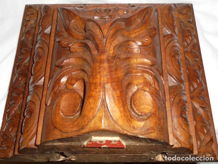 ANTIGUA MENSULA-PEANA EN MADERA TALLADA PARA SANTO.TIEN UNOS PUNTOS DE POLILLA EN LA PARTE DE ATRAS (Antigüedades - Muebles Antiguos - Ménsulas Antiguas)