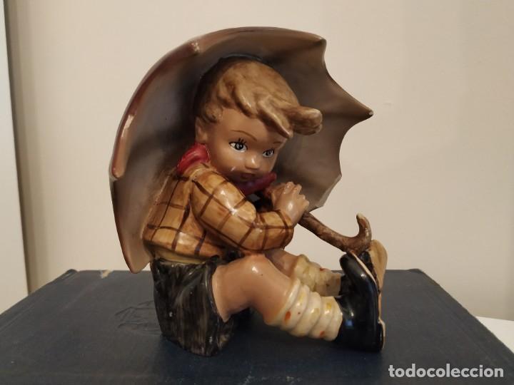 NIÑO PARAGUAS HUMMEL GOEBEL?? UMBRELLA BOY (Antigüedades - Porcelana y Cerámica - Alemana - Meissen)