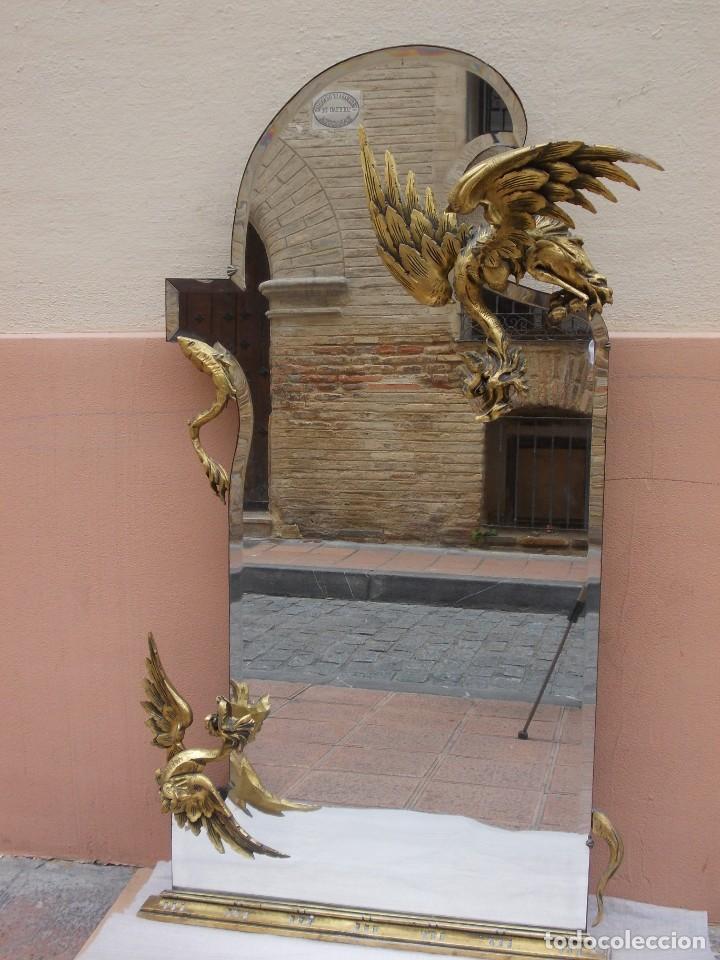 Antigüedades: IMPRESIONANTE ESPEJO DRAGONES DRAC MODERNISTA TALLA MADERA PAN DE ORO ART NOUVEAU - Foto 2 - 230335050