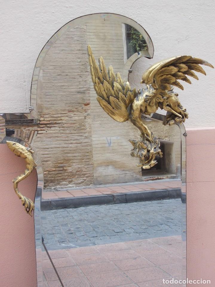 Antigüedades: IMPRESIONANTE ESPEJO DRAGONES DRAC MODERNISTA TALLA MADERA PAN DE ORO ART NOUVEAU - Foto 4 - 230335050