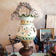 Antigüedades: LÁMPARA EN CERAMICA Y LATON. Lote 230375545