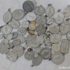 Antigüedades: LOTE DE ANTIGUAS MEDALLAS. Lote 230385030