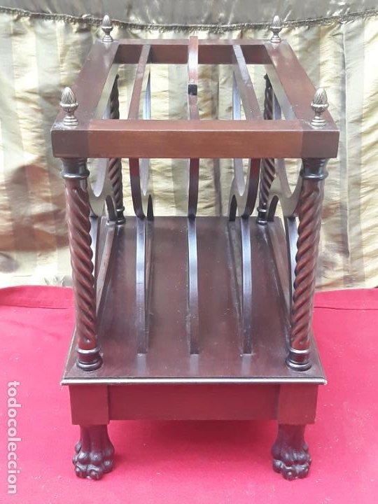 Antigüedades: MUEBLE REVISTERO EN MADERA MACIZA - VINTAGE. - Foto 5 - 230422340