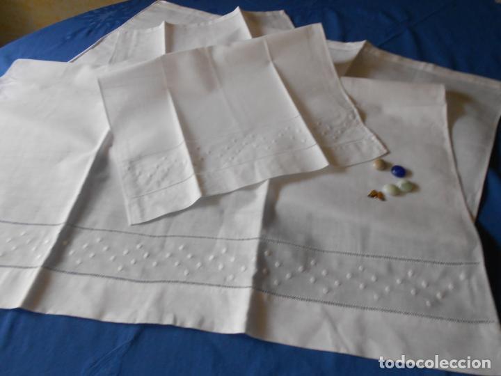 Antigüedades: Juego toallas de hilo, bordado bodoques y Vainicas.Acabado recto. Blanco 2 piezas. NUEVO - Foto 5 - 265109804