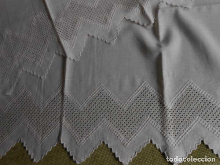 Antigüedades: Juego toallas de 3 piezas de hilo, bordado deshilados a mano. Beige claro. NUEVO - Foto 11 - 230549560