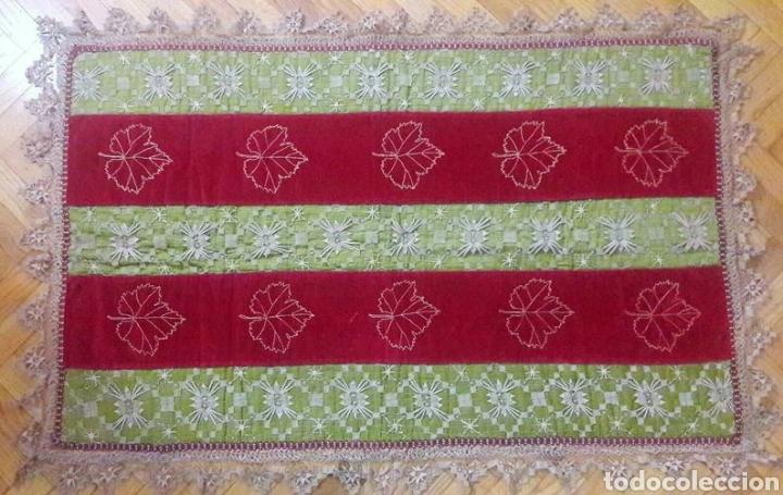 Antigüedades: Precioso tapiz, Final Siglo XIX, con filtiré sobre malla, camino de mesa antiguo bordado - Foto 4 - 197058457
