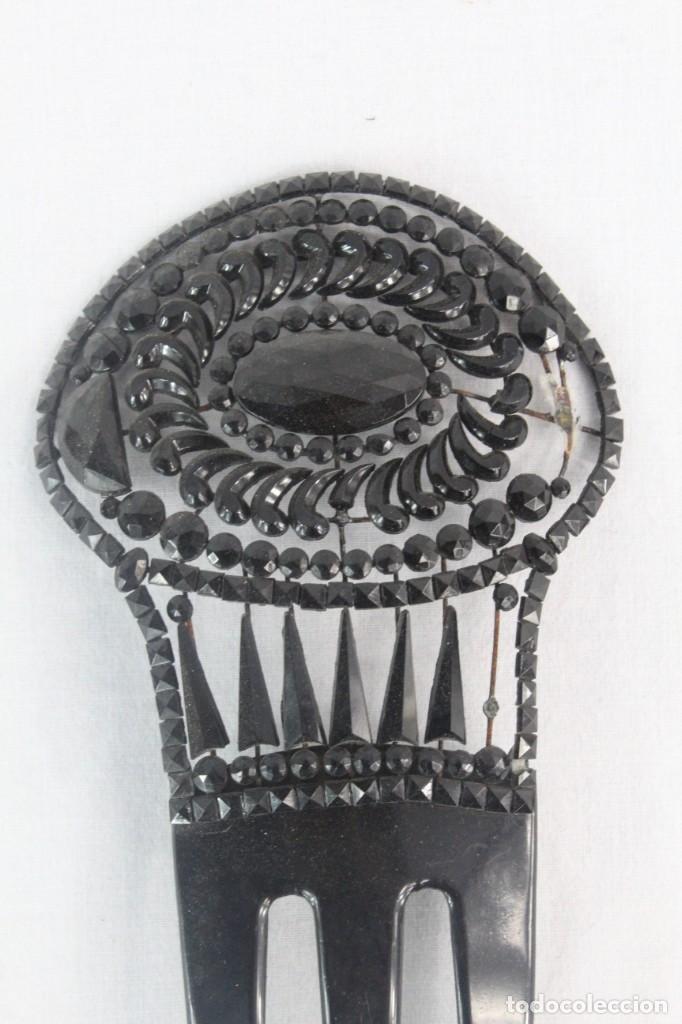 Antigüedades: Ref P - Peineta en celuloide realizada a mano. ca 1910 18x8.5cm Cuentas de cristal, algunas faltan - Foto 2 - 230667620