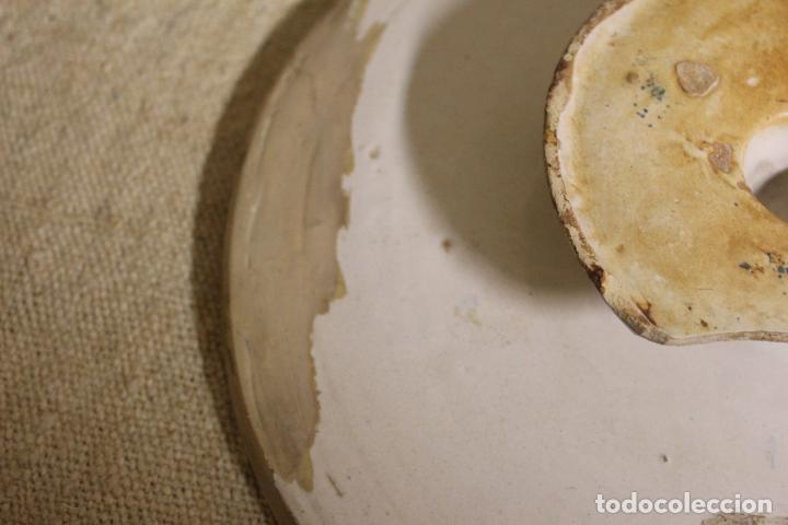 Antigüedades: Salvilla de cerámica en azul y blanco.Cataluña.Serie puntilla Berain.Ffs S XVIII. - Foto 4 - 230748570