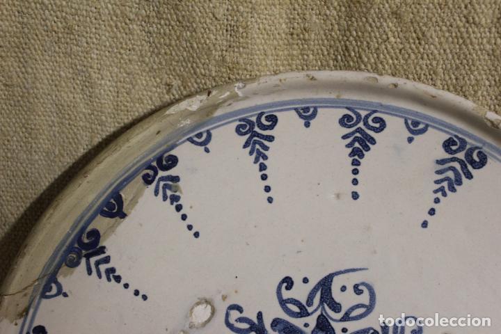 Antigüedades: Salvilla de cerámica en azul y blanco.Cataluña.Serie puntilla Berain.Ffs S XVIII. - Foto 7 - 230748570