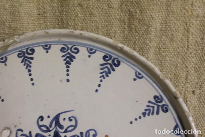 Antigüedades: Salvilla de cerámica en azul y blanco.Cataluña.Serie puntilla Berain.Ffs S XVIII. - Foto 8 - 230748570