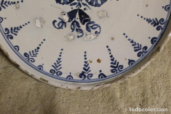 Antigüedades: Salvilla de cerámica en azul y blanco.Cataluña.Serie puntilla Berain.Ffs S XVIII. - Foto 10 - 230748570