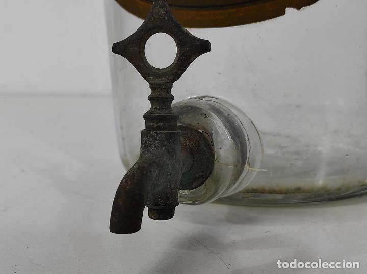 Antigüedades: Gran Botella de Perfume a Granel - Frasco con Grifo - Colonia Guiu, Barcelona - Años 20 - Foto 3 - 230814400