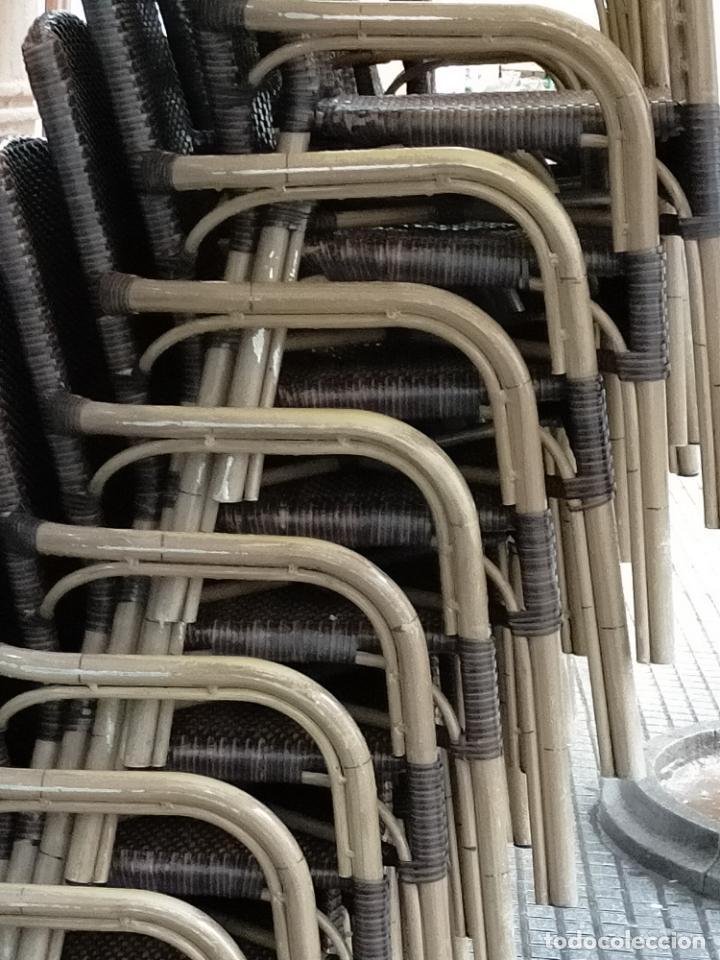 Antigüedades: SOLO RECOGIDA CADIZ CAPITAL CENTRO 24 sillas y 6 mesas de terraza BAR RESTAURANTE - Foto 6 - 229701075