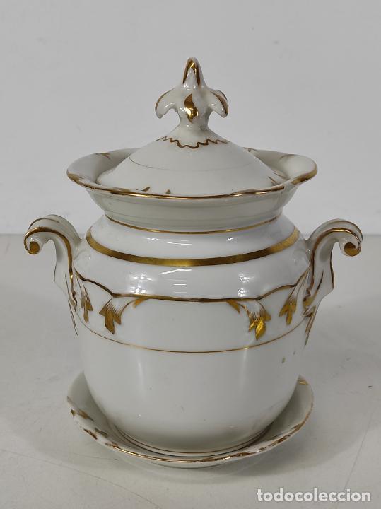 Antigüedades: Preciosa Pequeña Sopera Isabelina - Porcelana Dorada - con Plato - S. XIX - Foto 2 - 230831275