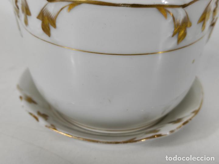 Antigüedades: Preciosa Pequeña Sopera Isabelina - Porcelana Dorada - con Plato - S. XIX - Foto 3 - 230831275