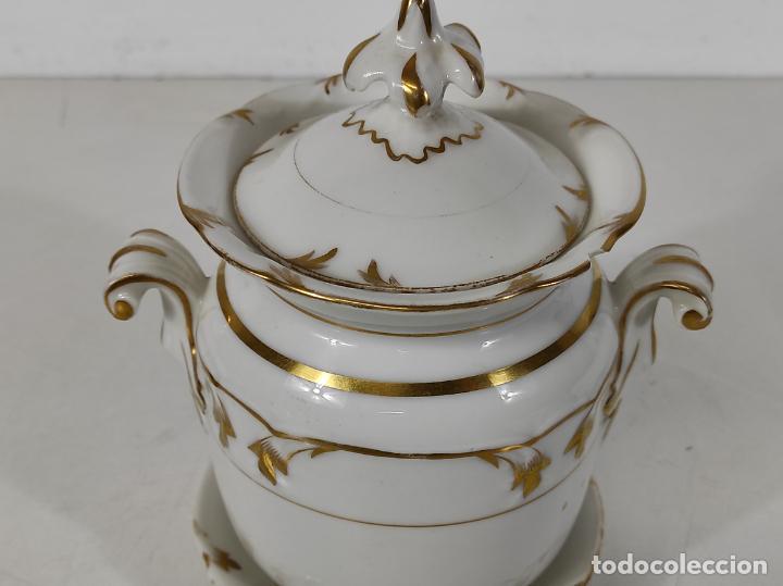 Antigüedades: Preciosa Pequeña Sopera Isabelina - Porcelana Dorada - con Plato - S. XIX - Foto 5 - 230831275