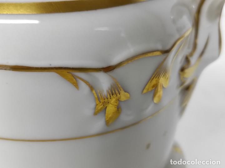 Antigüedades: Preciosa Pequeña Sopera Isabelina - Porcelana Dorada - con Plato - S. XIX - Foto 6 - 230831275
