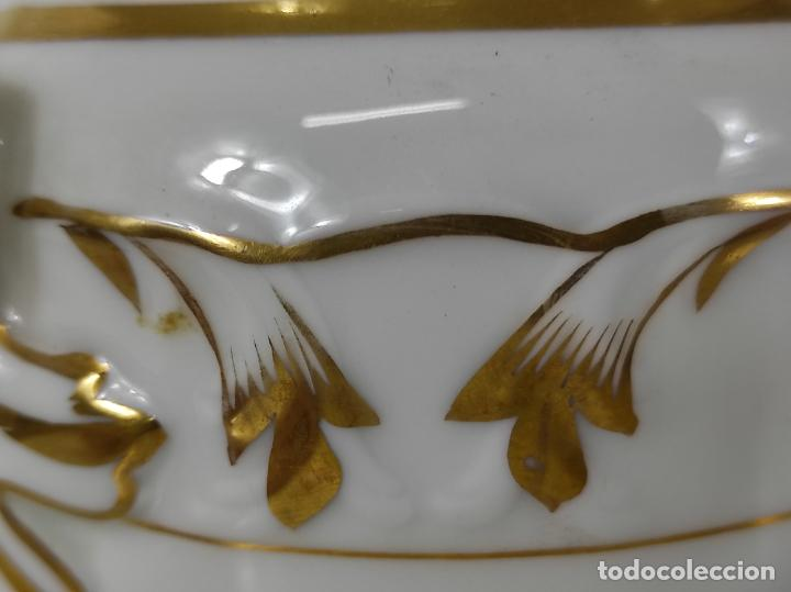 Antigüedades: Preciosa Pequeña Sopera Isabelina - Porcelana Dorada - con Plato - S. XIX - Foto 12 - 230831275