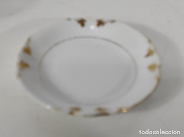 Antigüedades: Preciosa Pequeña Sopera Isabelina - Porcelana Dorada - con Plato - S. XIX - Foto 16 - 230831275
