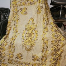 Antigüedades: COLCHA ANTIGUA BORDADO DE MÁQUINA. 1,60X2,20 M. Lote 230841930