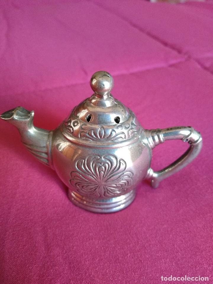 Antigüedades: Preciosa tetera Godinger con relieves baño de plata - Foto 2 - 230873780