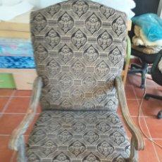 Antigüedades: SILLON DE ESTILO CLASICO. Lote 230976830