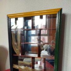 Antigüedades: VITRINA COLECCIONISMO. Lote 231306245