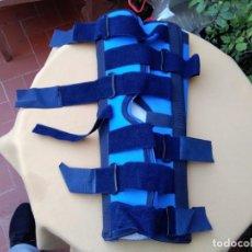 Antigüedades: INMOVILIZADOR DE RODILLA SOF 0425, 50 CENTÍMETROS. ( MEDICARE SYSTEM.). Lote 231338890