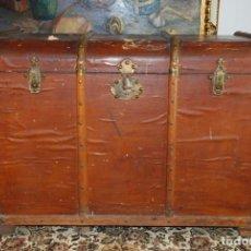 Antigüedades: ENORME BAÚL DE MADERA. TAPA PLANA. 93 CM DE LARGO, 54 CM DE FONDO Y 68 CM. DE ALTO. SIGLO XIX.. Lote 231407840