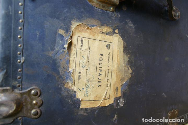 Antigüedades: Precioso baúl de viaje. Tapa plana. 90 cm de largo, 46 cm de fondo y 47 cm. de alto. Siglo XIX. - Foto 10 - 231408355