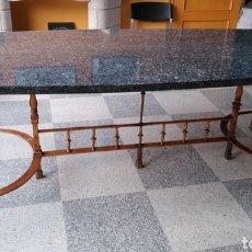 Antigüedades: MESA DE GRANITO Y FORJA.. Lote 231424960
