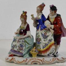 Antigüedades: BONITO GRUPO ESCRITURA, LECTURA - PORCELANA FRANCESA - SELLO EN LA BASE. Lote 231432765
