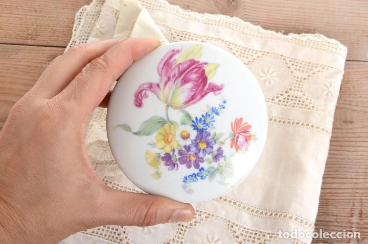 Antigüedades: Preciosa caja de porcelana de Limoges de flores - Foto 6 - 231530360
