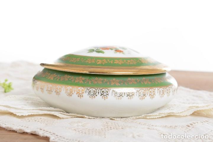 Antigüedades: Joyero de porcelana vintage de Limoges Francia, caja porcelana flores y dorada - Foto 10 - 231531485