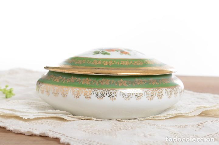 Antigüedades: Joyero de porcelana vintage de Limoges Francia, caja porcelana flores y dorada - Foto 11 - 231531485