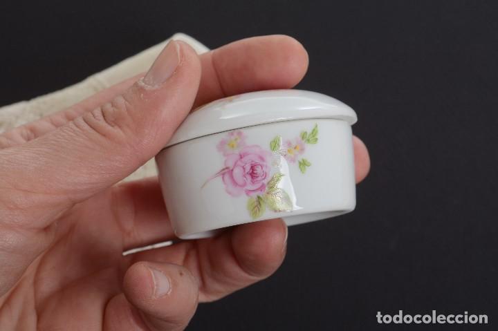 Antigüedades: Pequeña caja de porcelana con rosas de Limoges Porcelaine des Tulleries - Foto 6 - 231539655
