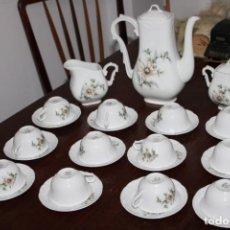 Antigüedades: JUEGO DE CAFE DE PORCELANA DE VISTA ALEGRE PORTUGAL - IMPECABLE. Lote 231553525